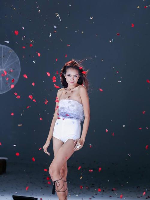 mau-nam-lun-vao-chung-ket-next-top-model-9