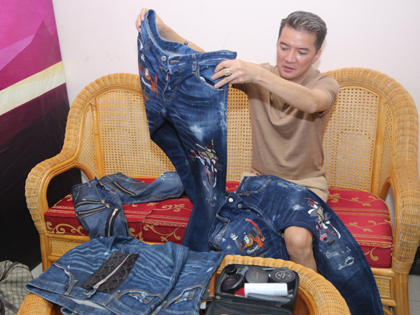 Mr. Đàm hết mực chăm sóc Dương Triệu Vũ