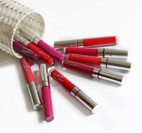 ColorPop Ultra Matte Lip có tới 25 tone màu, đủ các gam từ nude tới hồng, cam, đỏ. Chất son được đánh giá là khá mượt, không làm khô môi và bám màu lâu. Đặc biệt, với mức giá hạt dẻ, ColorPop Ultra Matte Lip là sự lựa chọn của
