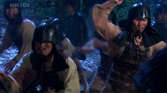 Phim cổ trang Dae Jo Young, điều gì bất thường xuất hiện trong cảnh quay?