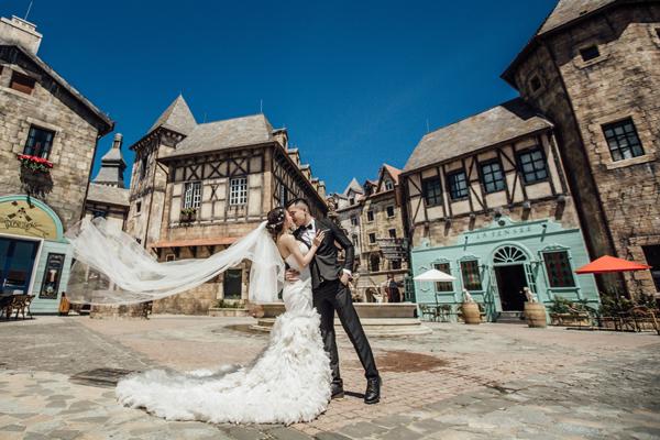 [Caption]Đám cưới của cặp đôi diễn ra ngày 28/08/2016 vừa qua, đánh dấu 390 hạnh phúc bên nhau.