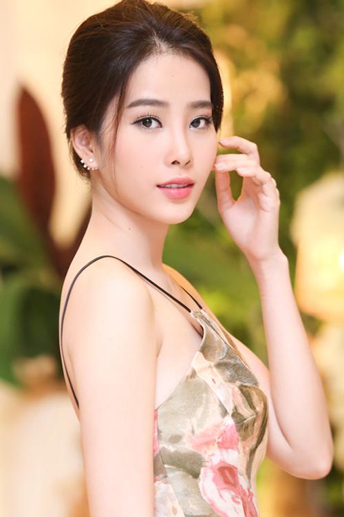 10-my-nhan-viet-trang-diem-dep-thang-9-9