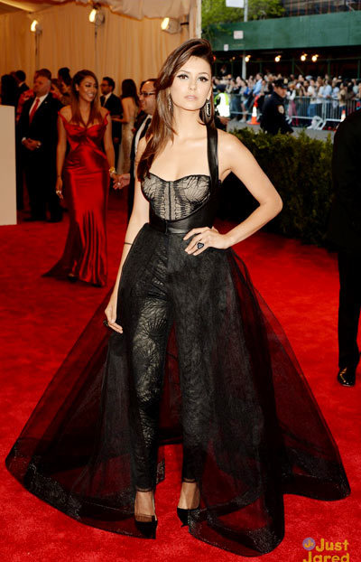 Nina Dobrev 2013 Met Gala, Vampire Diaries actress wore a custom Monique Lhuiller dress.