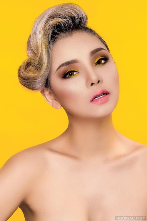Màu mắt tone vàng kết hợp với son cam