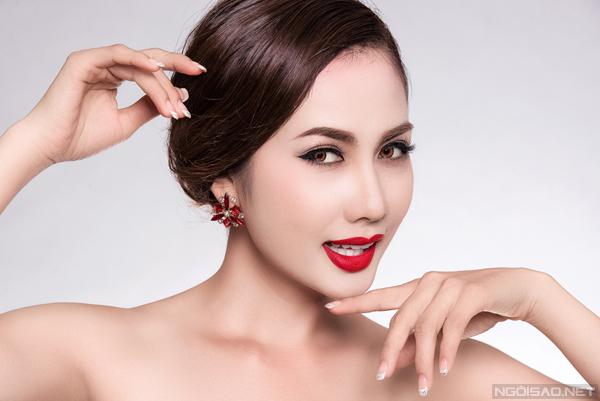 Model: Phương Ngân , Makeup: Đỗ Nguyễn, Stylist: Hùng Việt, Photo: Fynz Foto