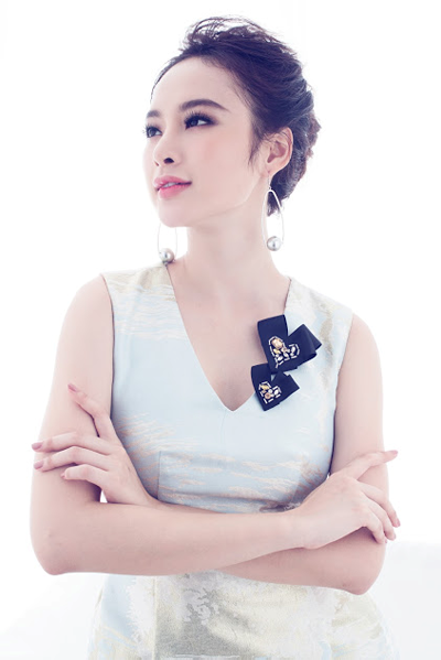 angela-phuong-trinh-quyen-ru-voi-thiet-ke-cua-amy-store-5