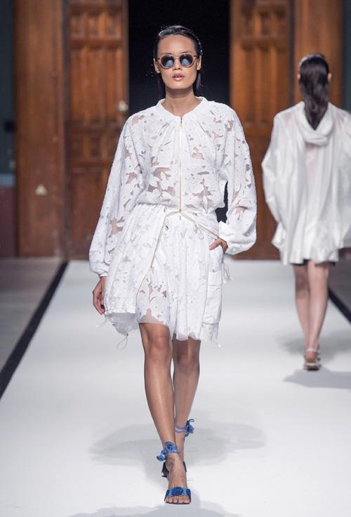 thanh-thao-next-top-trung-2-show-o-paris-fashion-week-1