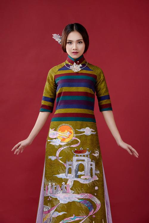 ao-dai-lua-to-tam-doc-nhat-cua-lan-huong-3