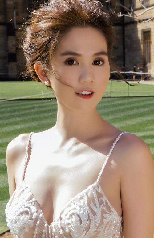 ngoc-trinh-10-3908-1476059125.jpg