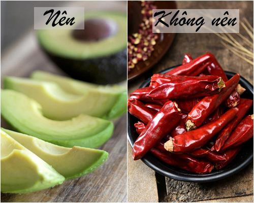 Trong các loại gia vị cay như hành, tỏi, gừng, hạt tiêu& và đặc biệt là ớt có chứa hàm lượng lớn chất capsaicin.