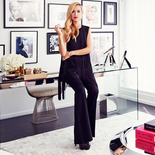 Rachel Zoe được mệnh danh là stylist quyền lực nhất thế giới. Cô là người giúp định hướng phong cách thời trang cho các ngôi sao đình đám như ameron Diaz, Kate Hudson, Eva Mendes tới Jennifer Lawrence, Miley Cyrus ...