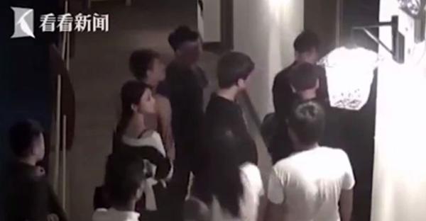 Cặp đôi bị đánh, đuổi ra khỏi khách sạn vì ồn ào khi yêu - ảnh 1