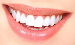 Nhìn hàm răng, đoán số mệnh giàu nghèo