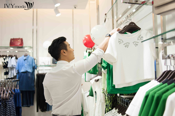 mc-nguyen-khang-tro-tai-lam-stylist