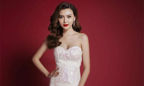 Ngọc Duyên khoe vai trần với váy dạ hội