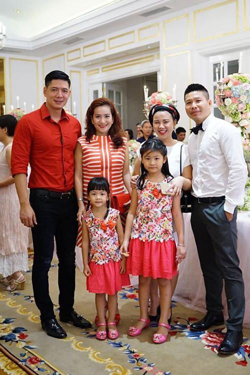 Gia đình diễn viên Bình Minh và quay phim Nguyễn Nam.