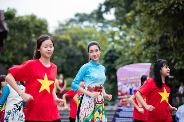 do-my-linh-ngoc-han-than-thiet-nhu-chi-em-gai-9