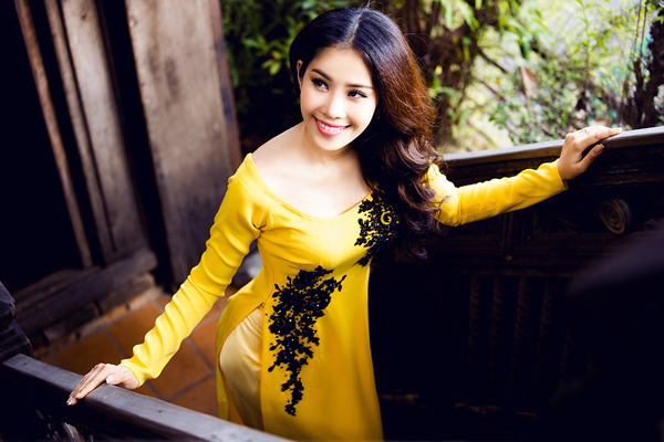 top-8-miss-earth-2016-nam-em-goi-y-ao-dai-cho-ngay-an-hoi-9