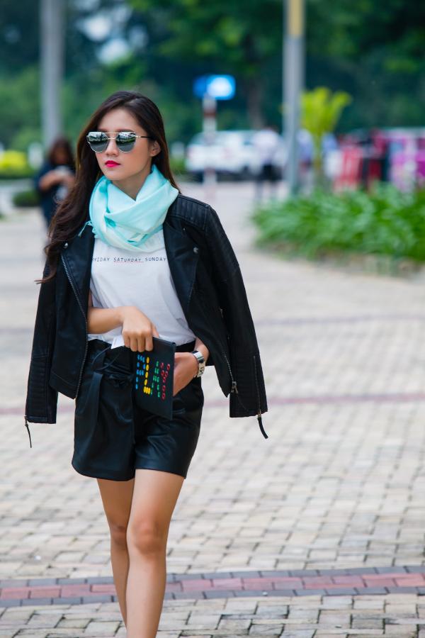 Mix & match khăn choàng thu đông cho cô nàng sành điệu - ảnh 6