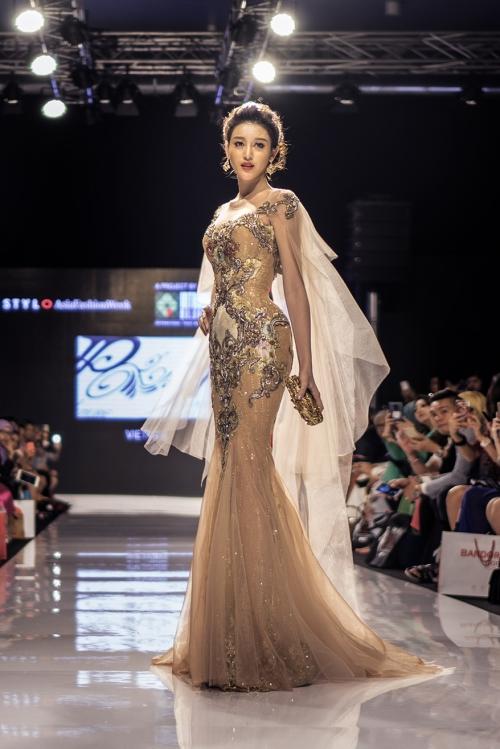 huyen-my-lam-vedette-tai-malaysia-fashion-week-1