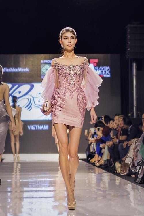 huyen-my-lam-vedette-tai-malaysia-fashion-week-4