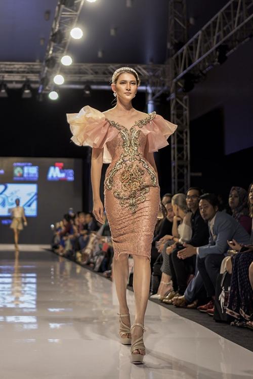 huyen-my-lam-vedette-tai-malaysia-fashion-week-5