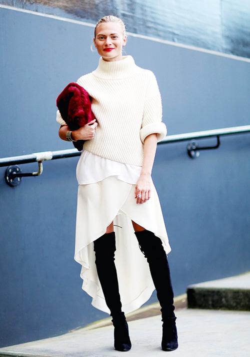 Cách phối trang phục màu trắng trong mùa đông