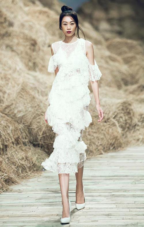 Theo thông cáco báo chí của ban tổ chức Vietnams Next Top Model, Kikki Lê xác nhận không có việc mình bị chèn ép và hăm doạ.