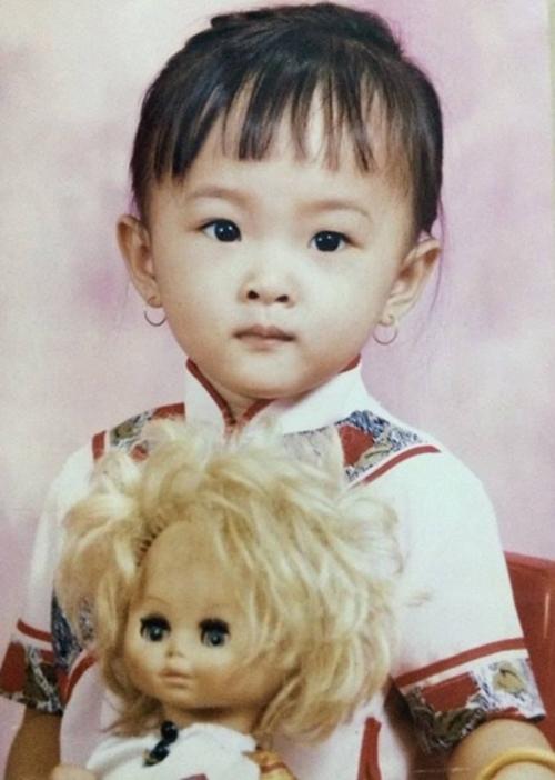 6-Angela-Phuong-Trinh-7937-1479525048.jp