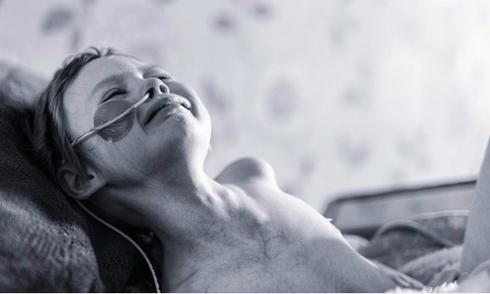 'Bé gái 4 tuổi đau đớn vì ung thư' đã qua đời
