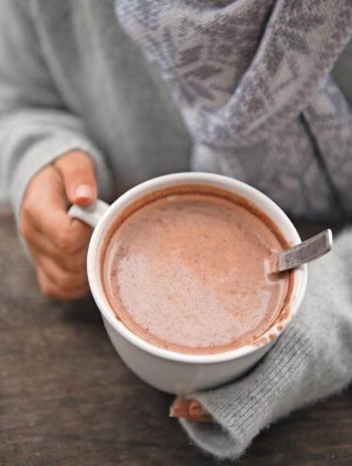Uống một cốc chocolate nóng mỗi ngày để