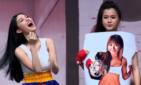 Mai Hồ cười ngất khi nhìn ảnh chế của Hari Won