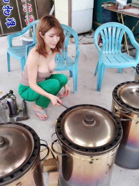 than-hinh-nong-bong-cua-co-chu-cua-hang-thit-nuong-3