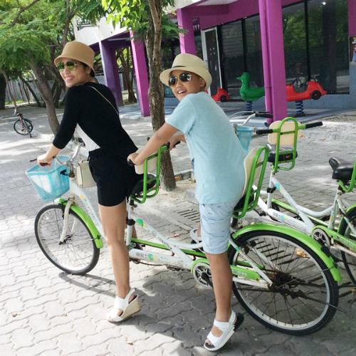 chuyen-di-maldives-cua-me-don-than-ung-thu-va-con-trai-3