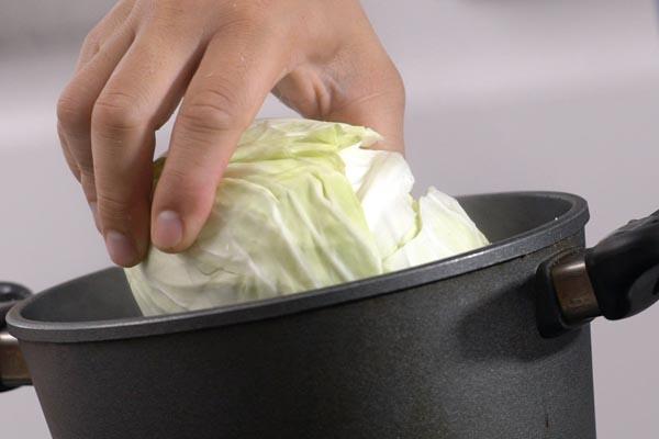 Bắp cải nhồi thịt lợn băm hấp - ảnh 3