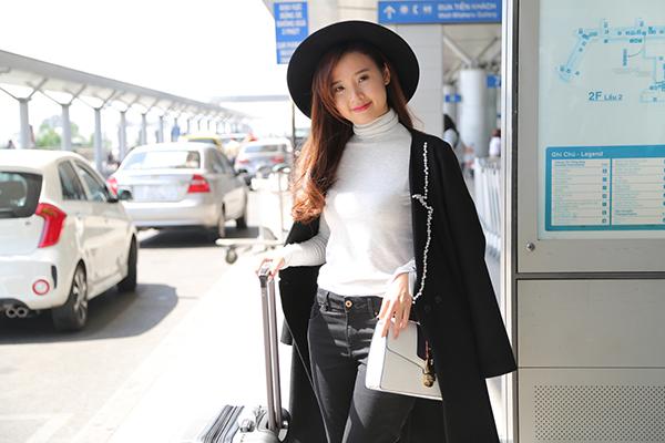 trang-moon-sexy-midu-kin-dao-o-san-bay-4