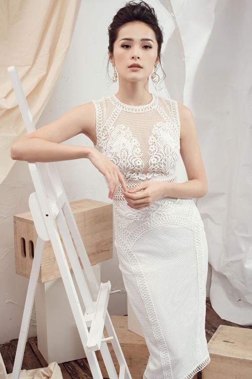 Bộ sưu tập giới thiệu các mẫu váy mới nhất, dành cho những cô nàng có vóc dáng lý tưởng và muốn mình thực sự nổi bật tại các buổi tiệc trong mùa lễ hội cuối năm.