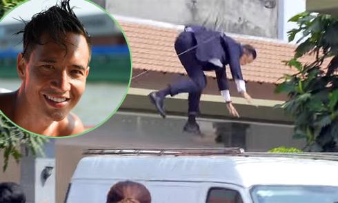 Kim Lý sợ hãi khi nhảy từ ban công xuống xe tải đang chạy