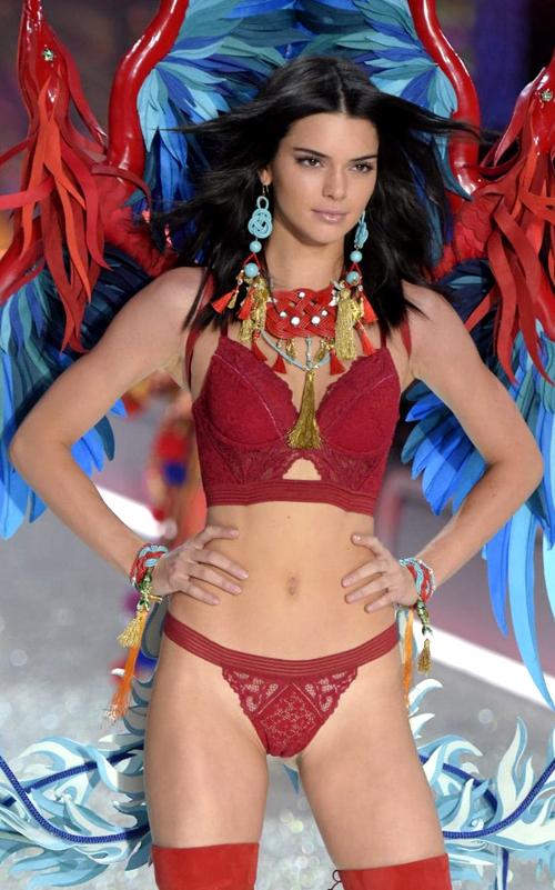 6-Kendall-Jenner-1955-1480564057.jpg