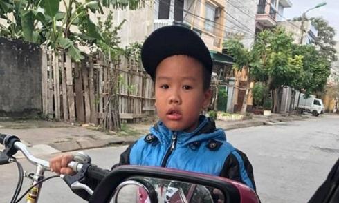Lời xin lỗi của cậu bé 8 tuổi khiến tài xế taxi cảm động