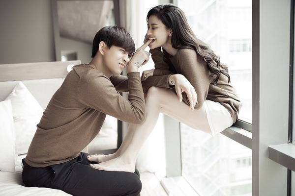 Trong sản phẩm chung, anh và bà xã quyết định xây dựng câu chuyện tình yêu của chính mình. Dự kiến, MV sẽ ra mắt vào ngày 18/12.
