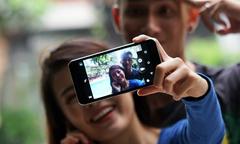 Smartphone Nhật giá chưa tới 2 triệu đồng