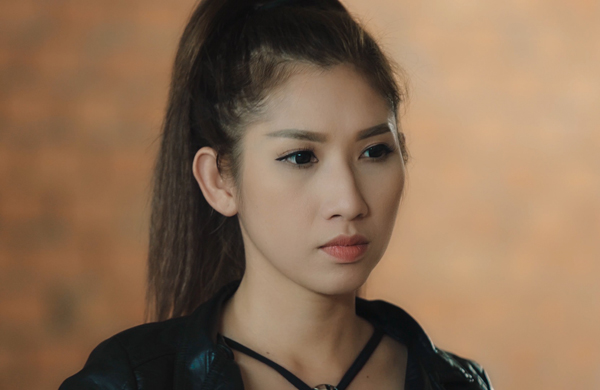 viet-huong-dong-phim-cung-em-ho-xinh-dep-2
