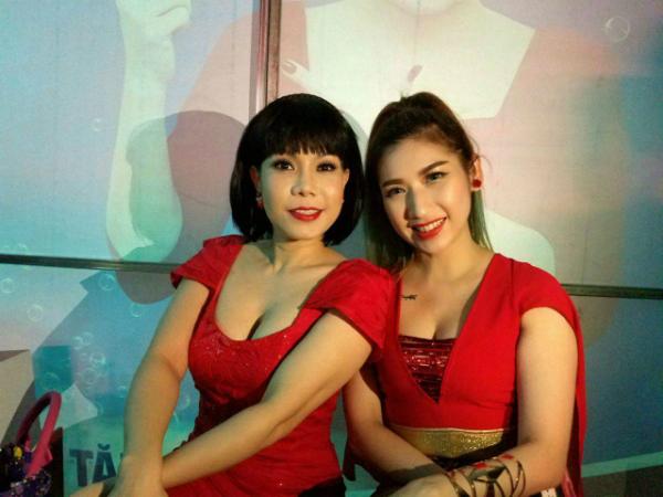 viet-huong-dong-phim-cung-em-ho-xinh-dep