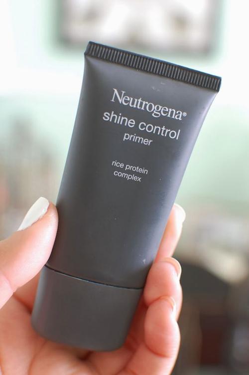 Neutrogena Shine Control Primer.