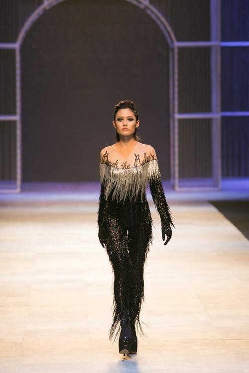 10-man-catwalk-an-tuong-cua-thoi-trang-viet-2016-4