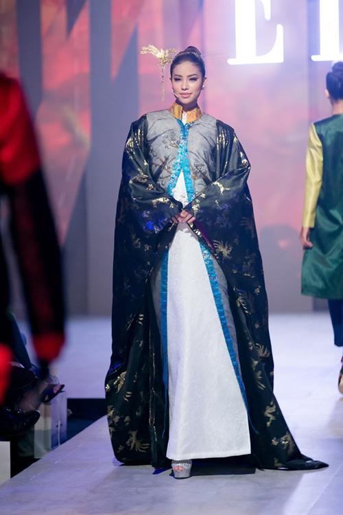 10-man-catwalk-an-tuong-cua-thoi-trang-viet-2016-1