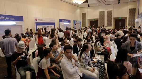 Rất nhiều chị em đã đăng ký được tư vấn bởi các bác sĩ đến từ Hàn Quốc.