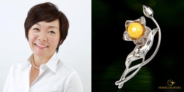 Cận cảnh chiếc Trâm Hoa Sen mang vẻ đẹp tinh hoa văn hóa Việt Nam thể hiện tinh xảo trên viên Ngọc Trai Trống Đồng dành tặng bà Abe Akie.