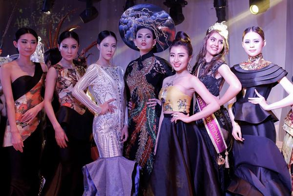 hoang-yen-don-hau-hoi-ngo-tai-fashion-asia-award-6